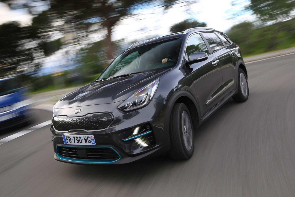 Kia e Niro outside